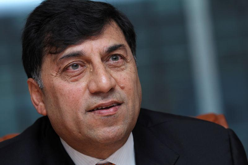 FILE PHOTO: Reckitt Benckiser CEO Rakesh Kapoor speaks during the Reuters Global Consumer and Retail Summit in London