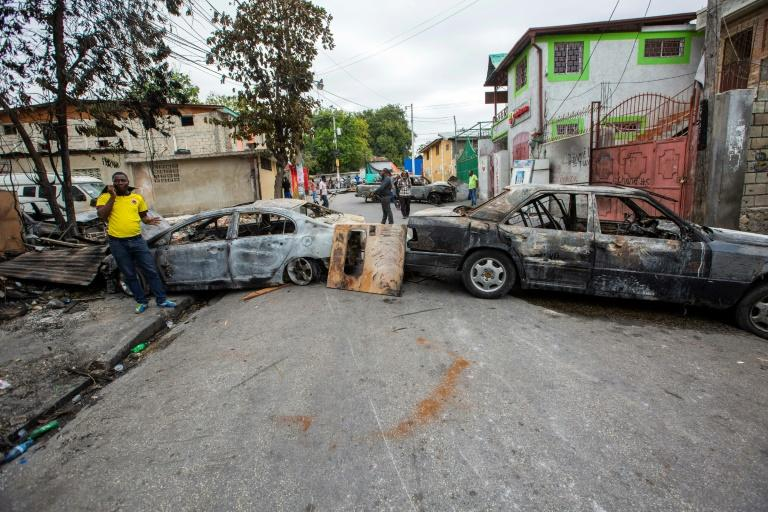 Main roads through the city of Port-au-Prince are blocked on February 24, 2020, after clashes the night before between Haitian police and the army (AFP Photo/Estailove ST-VAL)