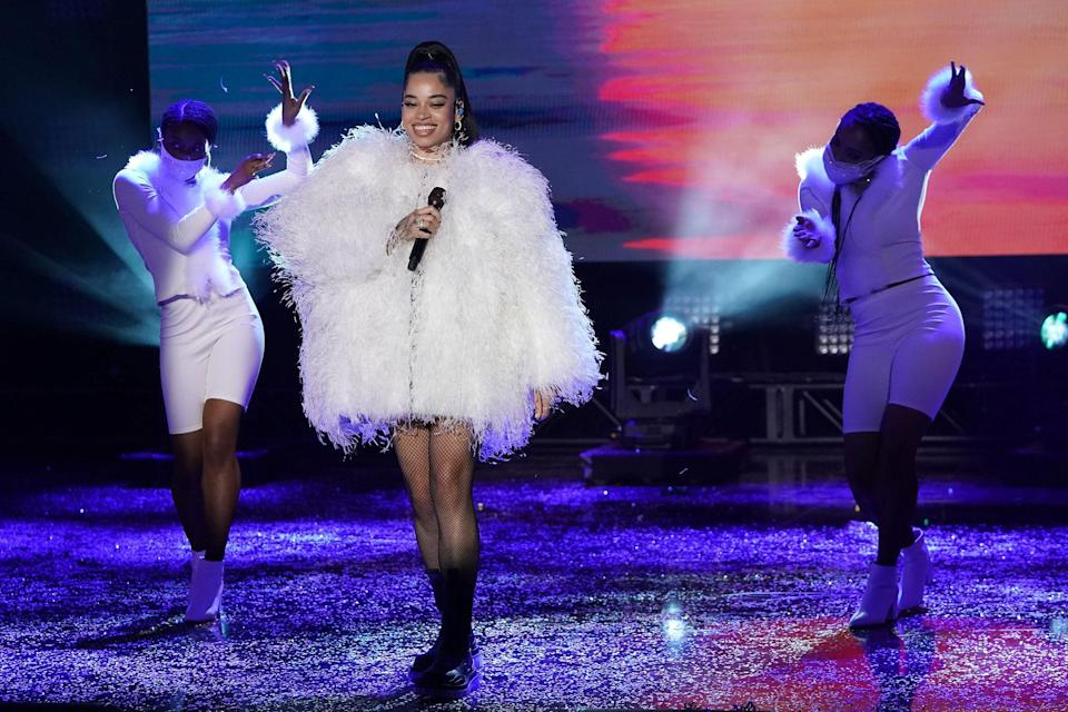 <p>WHO: Ella Mai</p> <p>WHAT: Alexandre Vauthier </p> <p>WHERE: <em>Dick Clark's New Year's Rockin' Eve</em><br> WHEN: December 31</p>