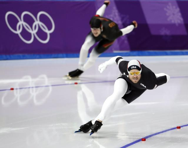 Speed Skating - Pyeongchang 2018 Winter Olympics - Men's 1000m competition finals - Gangneung Oval - Gangneung, South Korea - February 23, 2018 - Joey Mantia of the U.S. and Joel Dufter of Germany compete. REUTERS/Damir Sagolj
