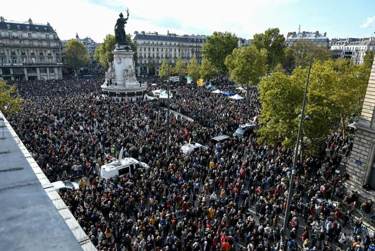 In Paris, government ministers joined the city's mayor for the demonstration
