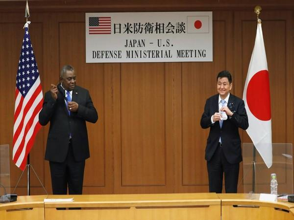 US Defence Secretary Lloyd Austin and Japanese Defence Minister Nobuo Kishi