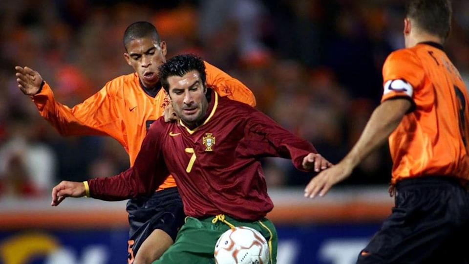 SOCCER-WC2002-NETHERLANDS VS PORTUGAL | ROBERT VOS/Getty Images