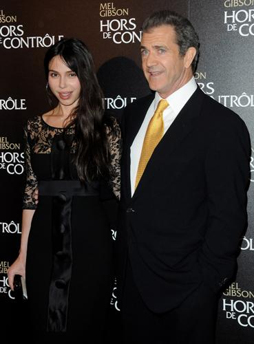 <p>Oksana Grigorieva's son to be questioned in Mel Gibson abuse investigation. The Los Angeles County Sheriff's Department announced that they would like to speak with Oksana Grigorieva's 12-year-old son to find out more about assault allegations Oksana has brought against Gibson. Did Alexander Dalton witness any of the fights that Oksana has referred to, including the one where Gibson allegedly knocked out her teeth?</p>