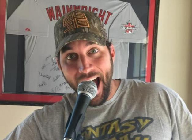 "<a class=""link rapid-noclick-resp"" href=""/mlb/players/7048/"" data-ylk=""slk:Adam Wainwright"">Adam Wainwright</a> is ready to host the Big League Impact Sing off and Karaoke Challenge on Jan. 12 in St. Louis. (Eventbrite/Big League Impact)"