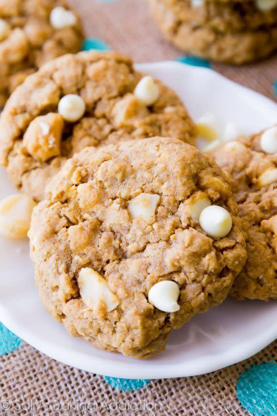 <strong>Get the <span>White Chocolate Macadamia Nut Oatmeal Cookies recipe</span>fromSally's Baking Addiction</strong>