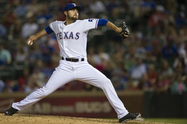 Rangers trade reliever Joakim Soria to Tigers
