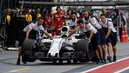 Williams postpones F1 2018 driver decision until new year
