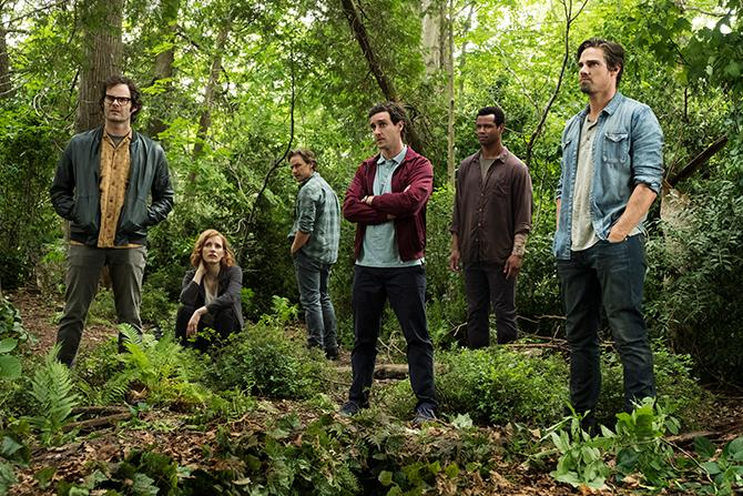 Bill Hader como Richie Tozier, Jessica Chastain como Beverly Marsh, James McAvoy como Bill Denbrough, James Ransone como Eddie Kaspbrak, Isaiah Mustafa como Mike Hanlon y Jay Ryan como Ben Hascomb en It: Capítulo 2 (Crédito de la foto: Brooke Palmer; Copyright: © 2019 WARNER BROS. ENTERTAINMENT INC.)
