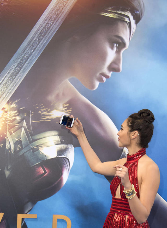 <p>Gal Gadot on May 25. (Photo: Valeria Macon/AFP/Getty Images) </p>