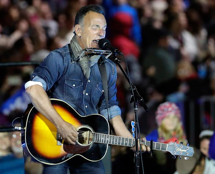<p>Bruce Springsteen performs during a Hillary Clinton campaign event at Independence Mall on Monday, Nov. 7, 2016 in Philadelphia. (Photo: Matt Slocum/AP) </p>