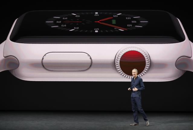 <p>The Apple Watch Edition is available in white and space gray ceramic. REUTERS/Stephen Lam </p>