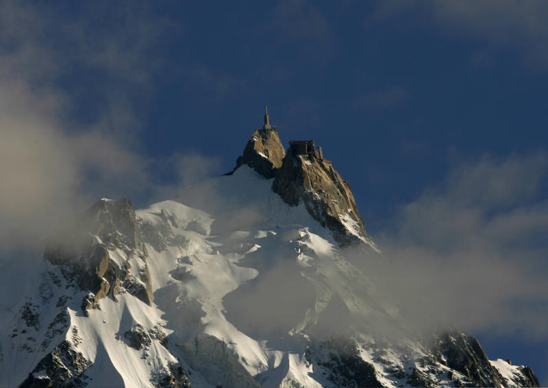The Aiguille du Midi in the Mont-Blanc region is seen on August 24, 2008. An avalanche hit climbers on Mont Blanc on Sunday, leaving seven injured and eight others missing and French police said there was little hope of finding any survivors. REUTERS/Christian Hartmann (FRANCE)