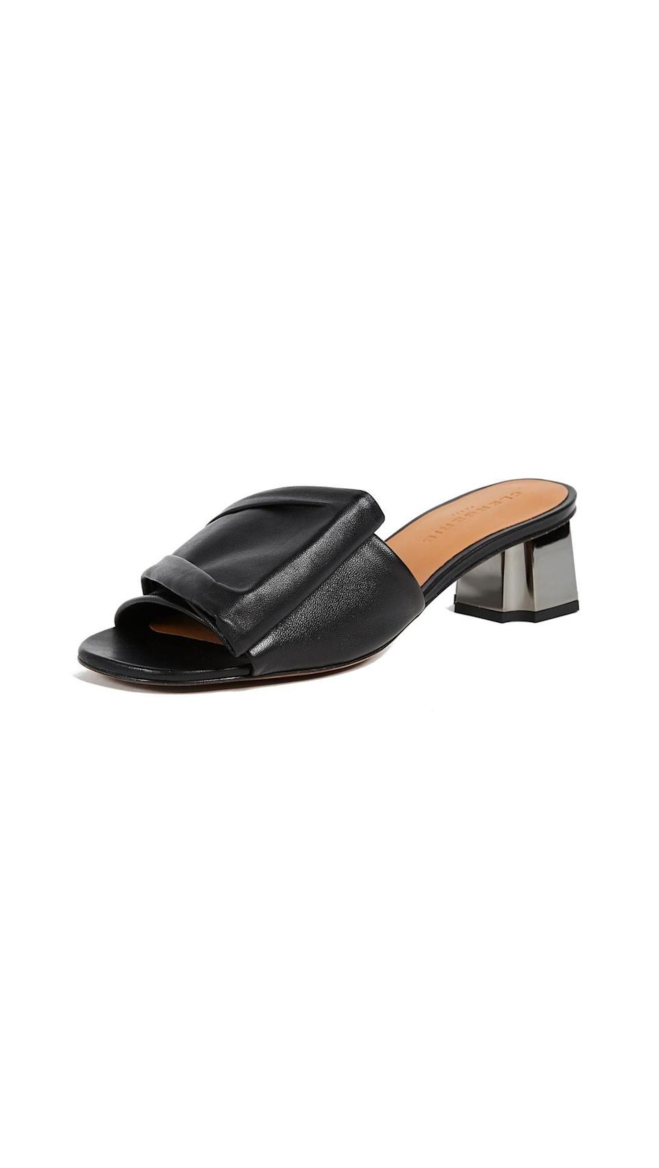 Available in sizes 36 to 37.