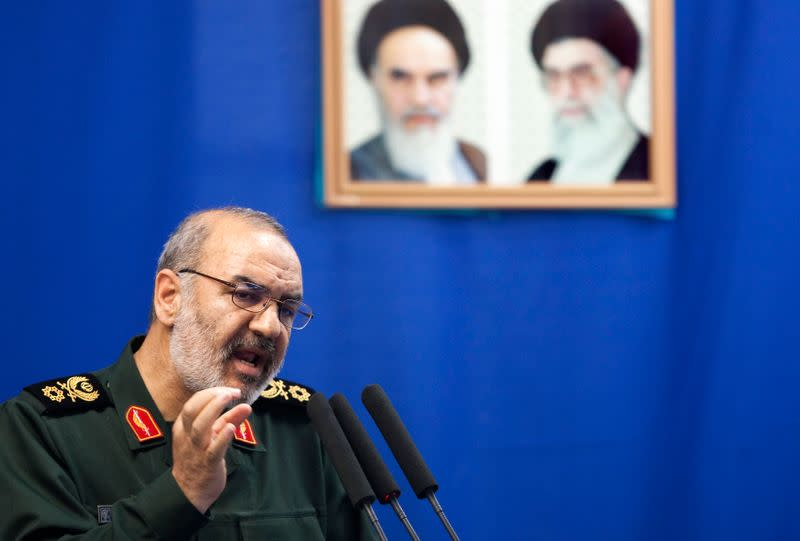 Guards chief: U.S. warships will be destroyed if they threaten Iran in Gulf