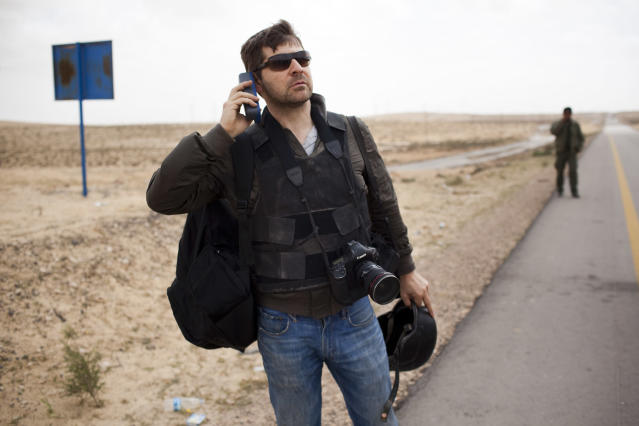 <p>Photojournalist Chris Hondros in Libya on April 4, 2011. (Photo courtesy of Nicole Tung) </p>