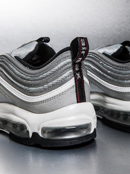 The divisive Air Max style is speeding back into your sneaker rotation.