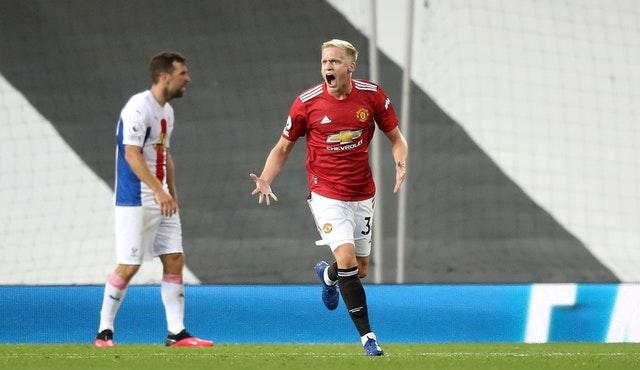 Donny van de Beek briefly reduced the deficit to a goal against Palace