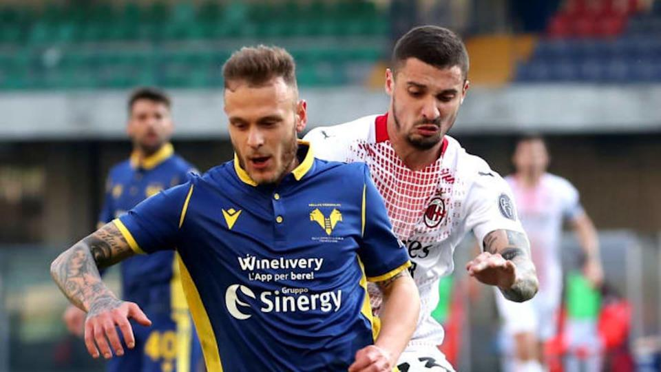 Krunic e Dimarco durante Verona-Milan | MB Media/Getty Images