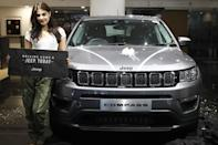 This young and bubbly actress has picked up a grey Jeep Compass for herself.
