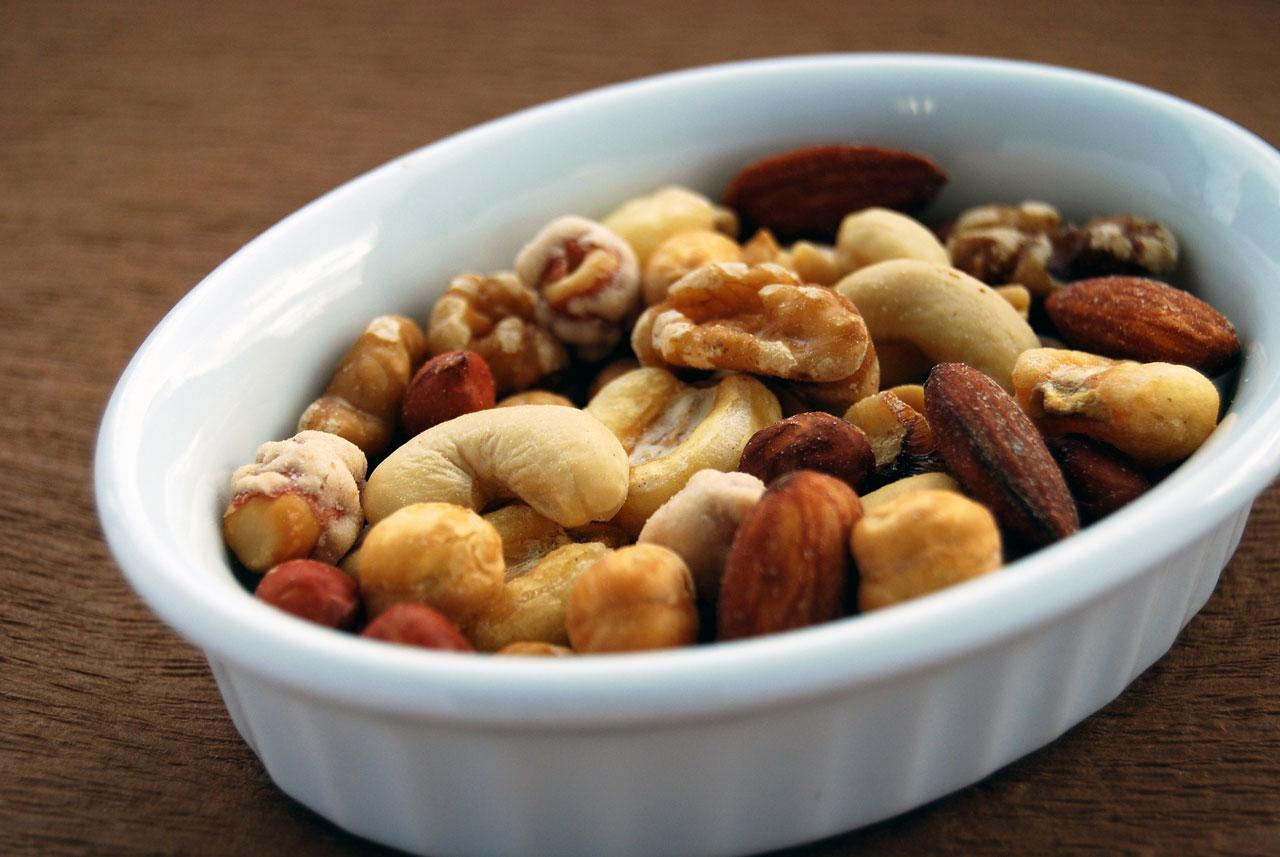 <p>Looking for a healthy snack? You can't go wrong with nuts, nutrient-dense plant foods that are associated with a reduced incidence of coronary heart disease. (Source: International Tree Nut Council) (Photo: Pixabay) </p>