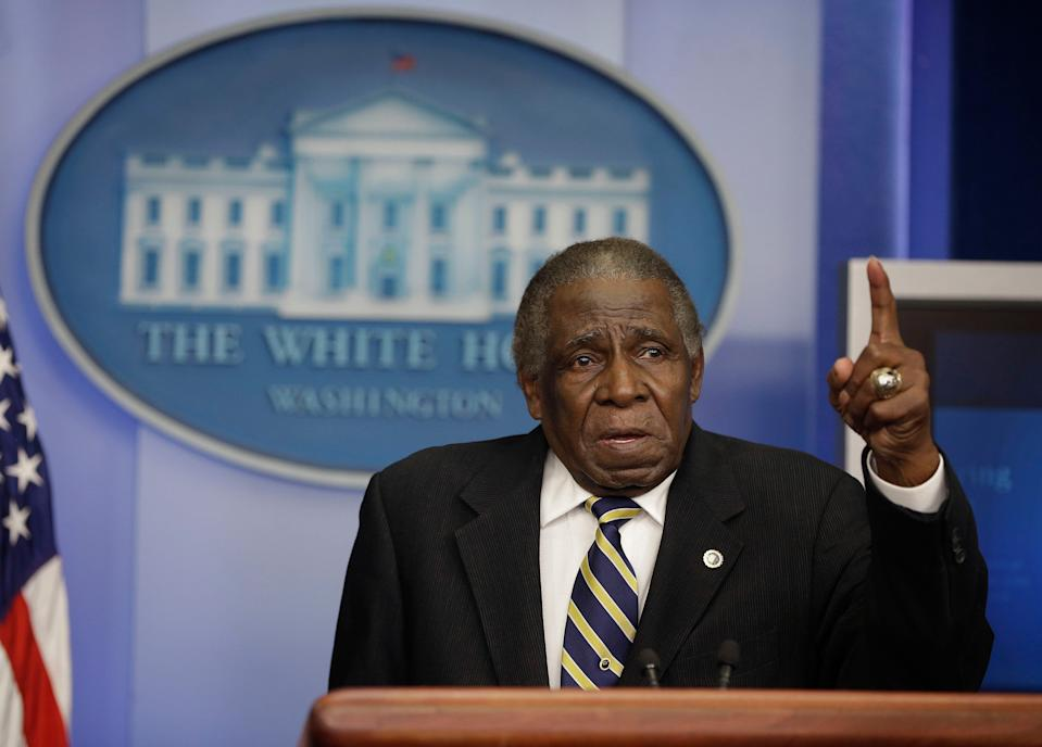 Minnie Minoso, stands behind the podium and jokingly gives a speech during his visit to the West Wing of the White House following his meeting with President Barack Obama in 2013.