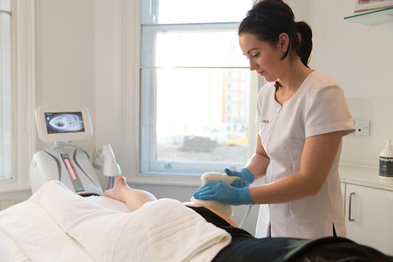 T-Shape uses a combination of technologies to sculpt the body (EF MEDIA SPA)