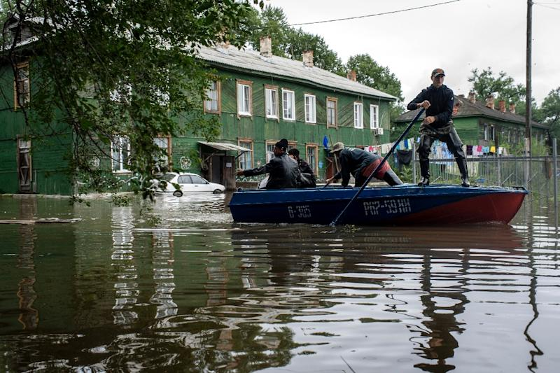 A flooded street in the village of Bolshoi Ussuriysky in Russia's Far Eastern Amur region (AFP Photo/Igor Churakov)