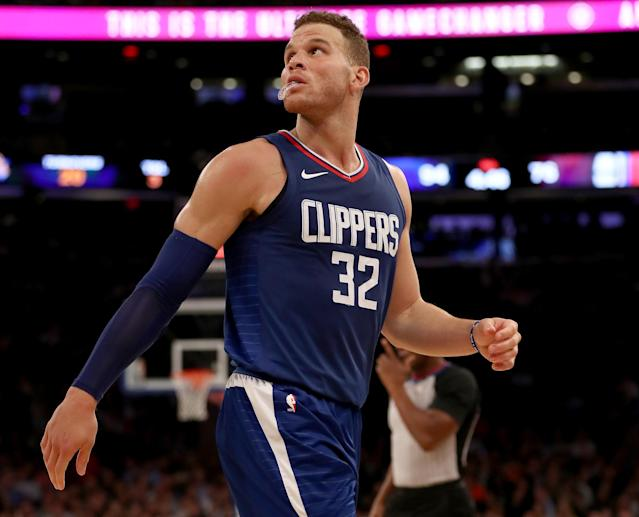 """<a class=""""link rapid-noclick-resp"""" href=""""/nba/players/4561/"""" data-ylk=""""slk:Blake Griffin"""">Blake Griffin</a> looks up at the spot he and the Clippers used to occupy in the standings. (Getty)"""