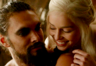 Jason Momoa and Emilia Clarke in 'Game of Thrones' (HBO)