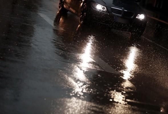 Motorists warned of new 'flash-for-cash' insurance scams