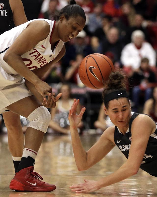 Stanford's Alex Green, left, and Washington State's Brandi Thomas fight for a loose ball during the second half of an NCAA college basketball game Saturday, March 1, 2014, in Stanford, Calif. (AP Photo/Ben Margot)