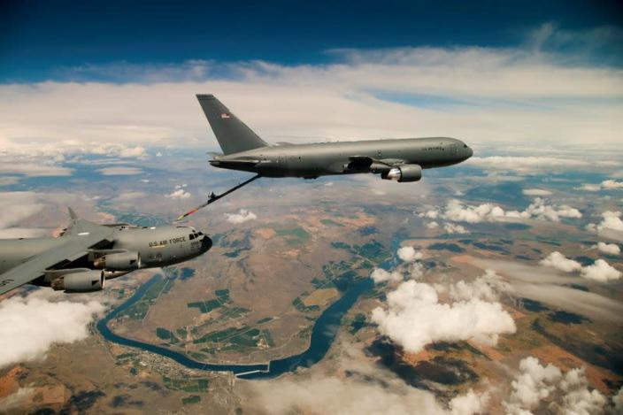 FILE PHOTO: File Photo: Boeing's KC-46 aerial refueling tanker conducts receiver compatibility tests with a U.S. Air Force C-17 Globemaster III from Joint Base Lewis-McChord, in Seattle