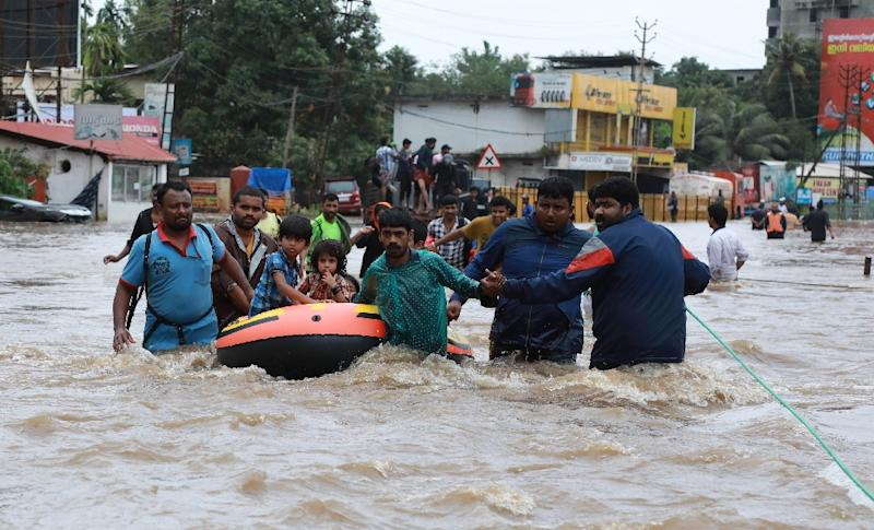 Kerala: more than 1m people flee to relief camps to escape floods