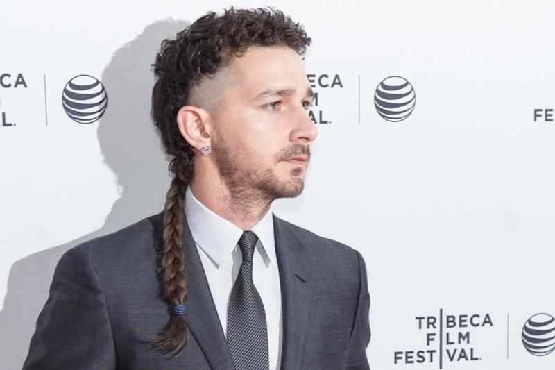 Shia LaBeouf wears rats tail on red carpet