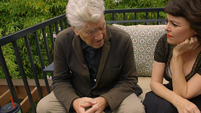 <p>Lynch consults with Sherilyn Fenn (Audrey Horne).<br>(Photo: Showtime/Paramount/CBS Home Entertainment) </p>