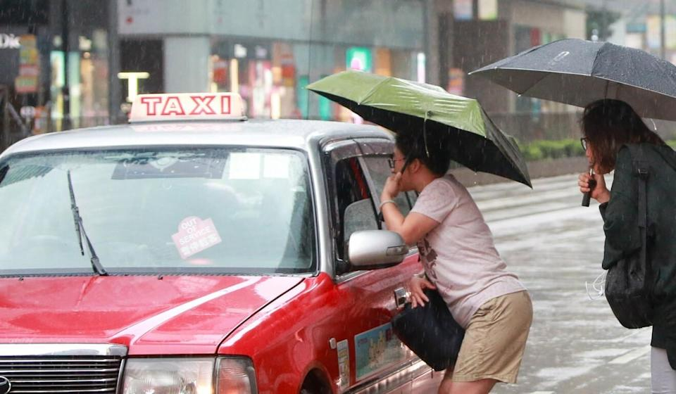 Commuter concern groups have long complained about Hong Kong taxi drivers who will cherry-pick customers and decline fares. Photo: David Wong