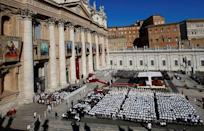 Pope Francis leads a canonization mass for seven new saints in Saint Peter's Square at the Vatican October 16, 2016. REUTERS/Tony Gentile