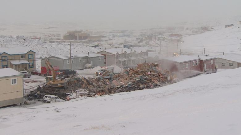 5 families temporarily homeless after fire destroys building in Iqaluit