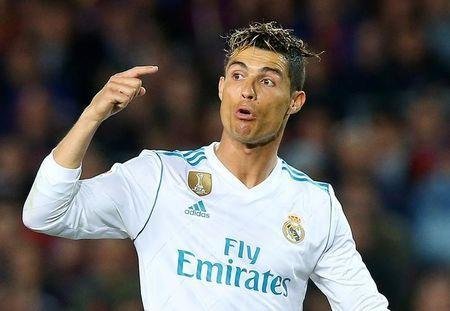 Soccer Football - La Liga Santander - FC Barcelona v Real Madrid - Camp Nou, Barcelona, Spain - May 6, 2018 Real Madrid's Cristiano Ronaldo gestures REUTERS/Albert Gea