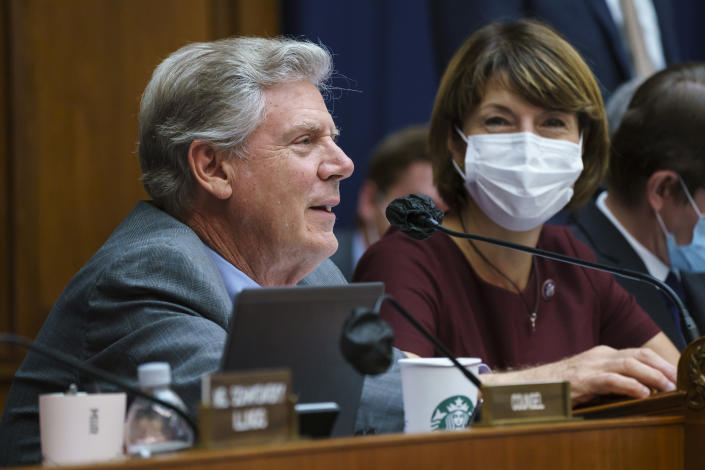 """House Energy and Commerce Chairman Frank Pallone, D-N.J., with Rep. Cathy McMorris Rodgers, R-Wash., right, the ranking member, as they continue work on the """"Build Back Better"""" package, cornerstone of President Joe Biden's domestic agenda, at the Capitol in Washington, Wednesday, Sept. 15, 2021. (AP Photo/J. Scott Applewhite)"""