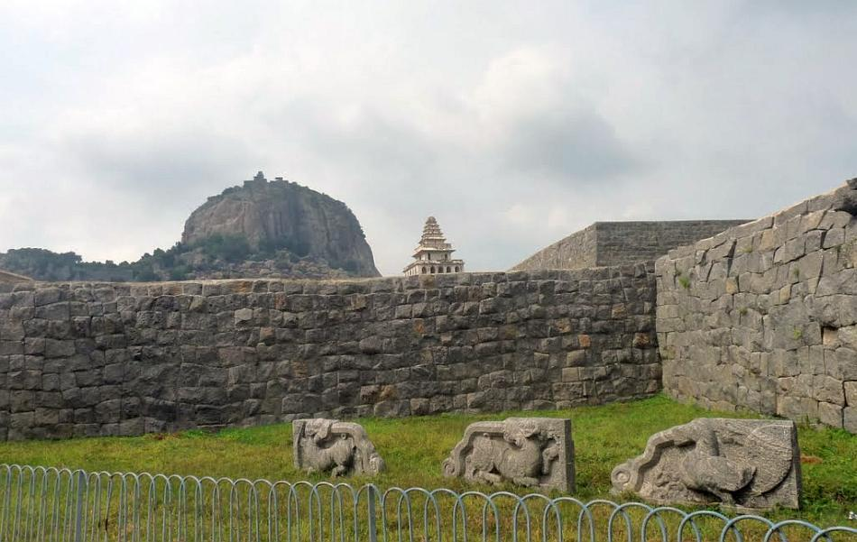 """A view from the walkway inside Gingee Fort. The Kalyana Mahal can be seen against the backdrop of the Krishnagiri hillock.<br><br>Read the related blog post, <a target=""""_blank"""" href=""""http://in.lifestyle.yahoo.com/blogs/traveler/gingee-fort-history-smorgasbord-090633638.html"""">Gingee Fort - history's smorgasbord</a>"""