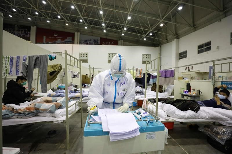 New threats emerge in outbreak while China voices optimism