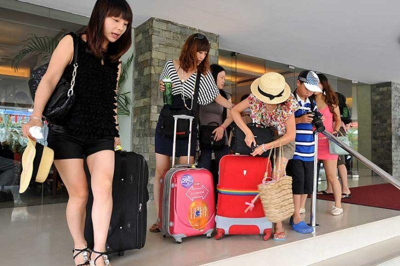 Target other markets aside from Chinese, tourism sector told
