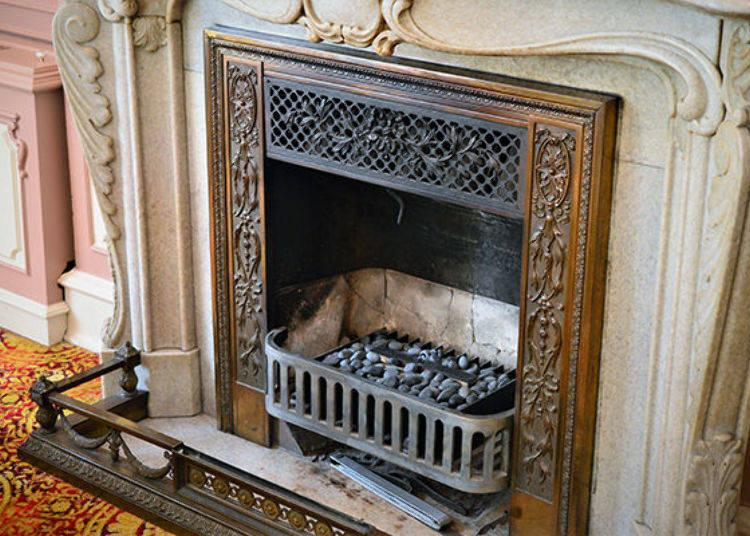 ▲ This period fireplace is still actually used in winter