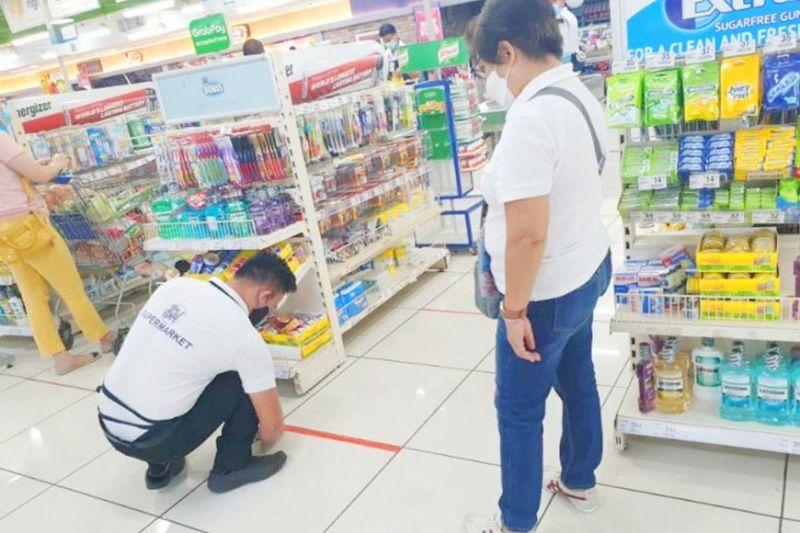 DTI 7 inspects mall; more stores reopen in GCQ