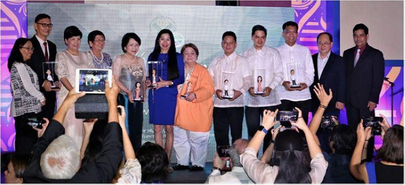 Filipino biotech champions win DA award