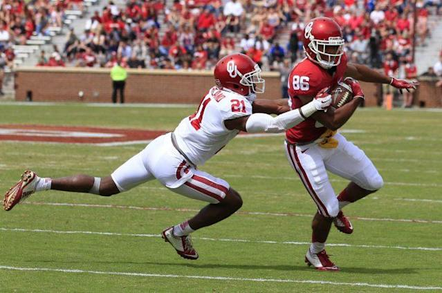Oklahoma DB Will Sunderland (21) is a potential starter in 2017. (AP)