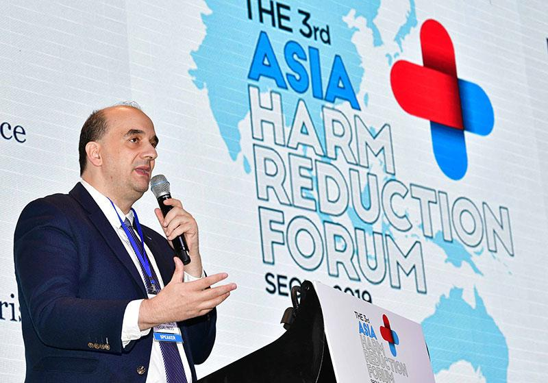 Keynote speaker Dr Konstantinos Farsalino, a cardiologist and researcher at the Onassis Cardiac Surgery Centre in Greece, at the third Asia Harm Reduction Forum in Seoul on 29 August, 2019. (PHOTO: AHRF)