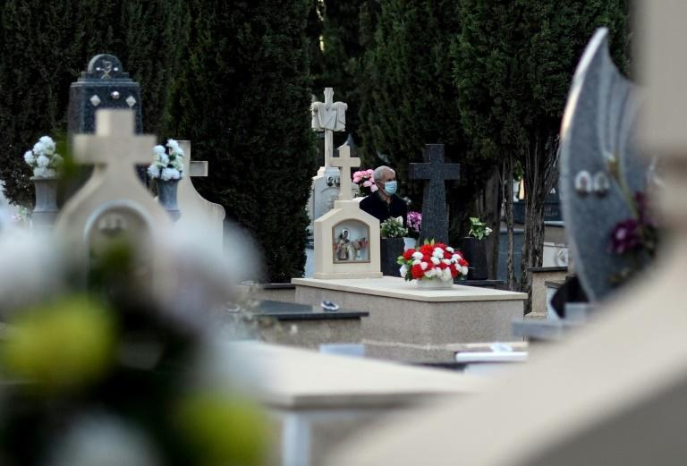 The number of daily burials at the Tomelloso cemetery stepped up sharply as the coronavirus pandemic took its toll